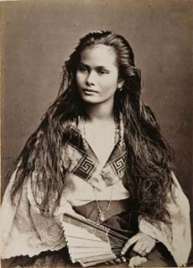 Traditional Filipina Woman